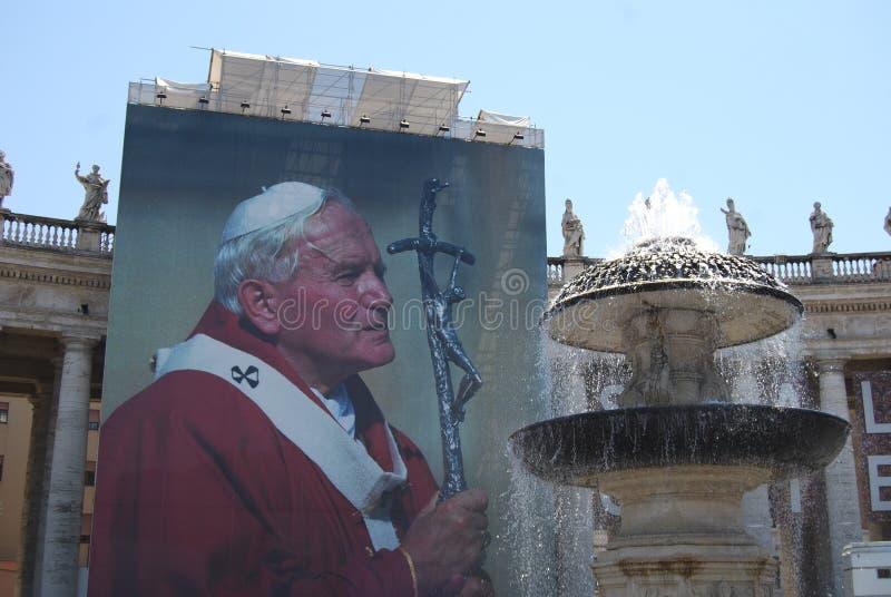 Świętego Peter ` s kwadrat, Rzym, świętego Peter ` s bazylika, punkt zwrotny, ściana, statua, zabytek zdjęcie stock