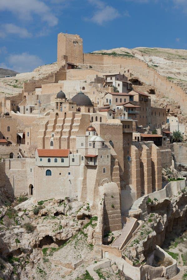 Święty Lavra znać w języku arabskim Świątobliwy Sabbas Uświęcać, gdy Mar Saba monaster umieszczał na skałach w Judejskim zdjęcia stock