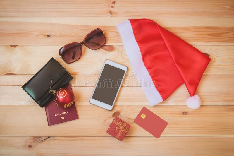 Święty Mikołaj kapelusz i set rzeczy dla wakacji zdjęcie stock