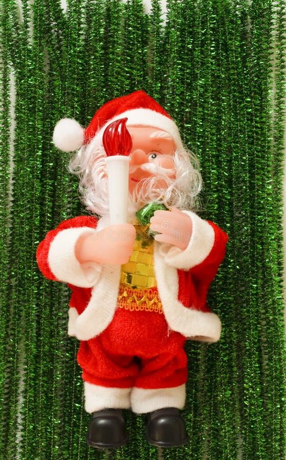 Święty Mikołaj na nowego roku zielonej scenerii zdjęcia royalty free