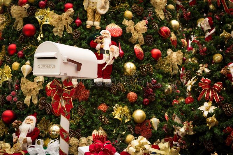 Święty Mikołaj skrzynka pocztowa zdjęcie royalty free