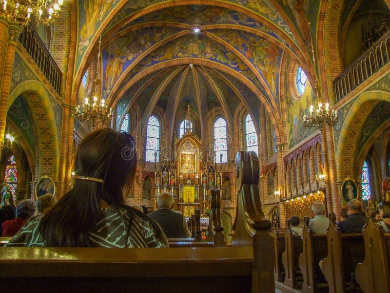 Święty msza w świątyni Nasz dama Warmia w Gietrzwald w Polska zdjęcie stock