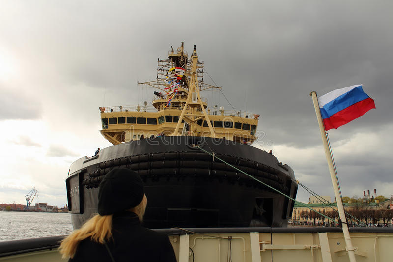 Święty Petersburg lodołamacz obrazy stock