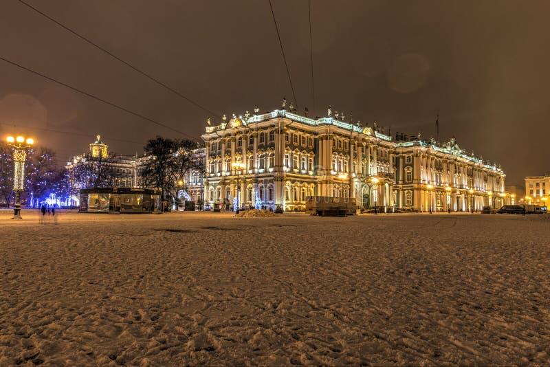 Święty Petersburg, Rosja, 23, Grudzień, 2017: Twierdzi eremu muzeum na śnieżnym wieczór, zima fotografia royalty free