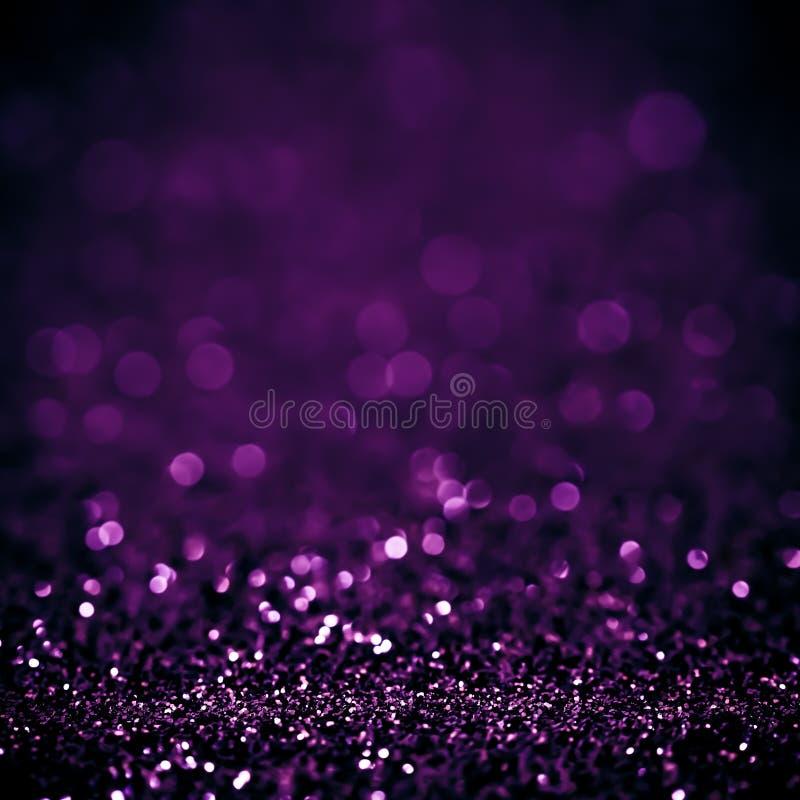 Światła na białego purpurowego tła abstrakcjonistycznym pięknym mrugnięciu zaświecają obraz royalty free