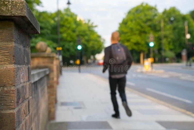 Światła ruchu na uliczny defocused dla tło zdjęcia stock