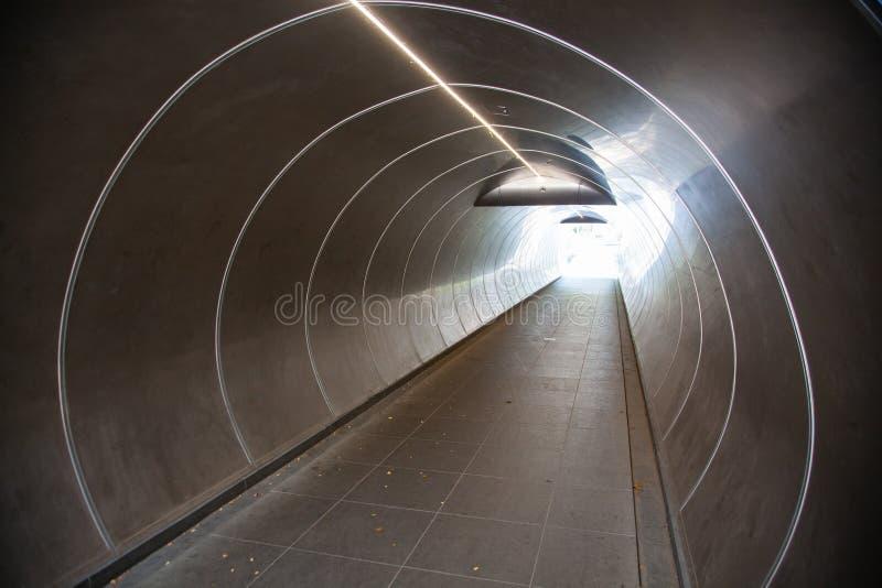 światło na końcu tunelu - depresja zdjęcie stock