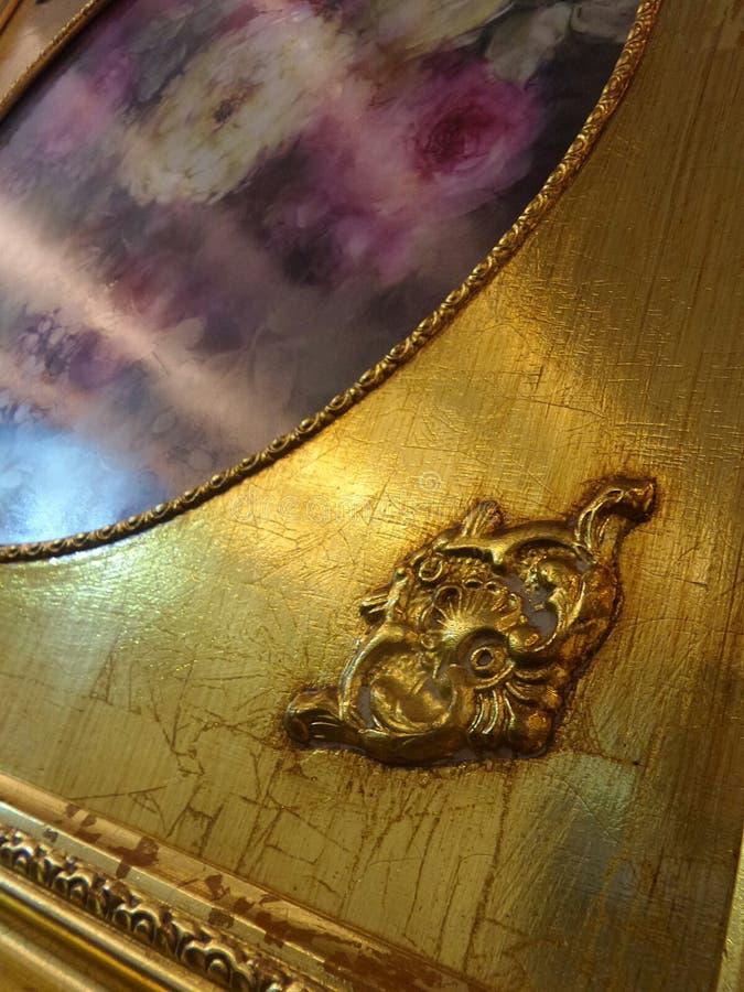 Światło na złotej obraz ramie zdjęcia stock