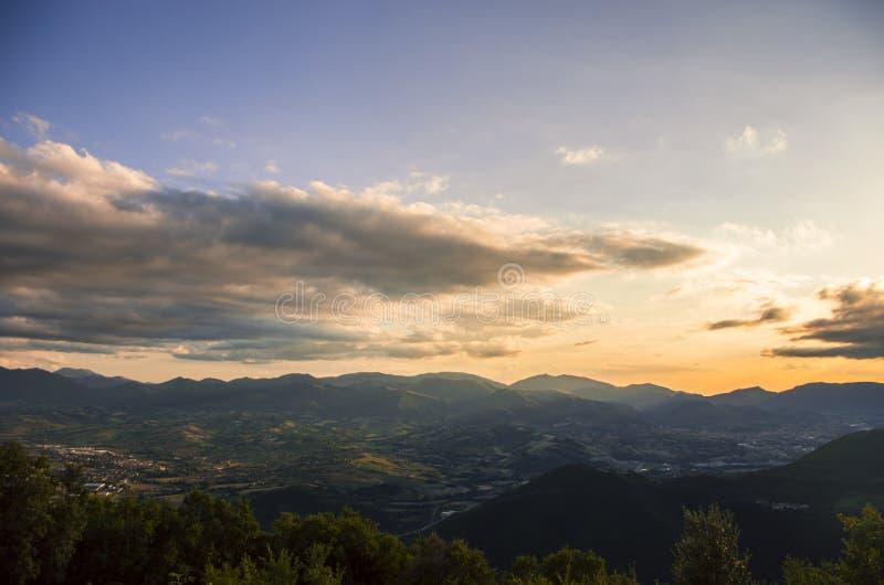 Światło nad horyzontem zdjęcie royalty free