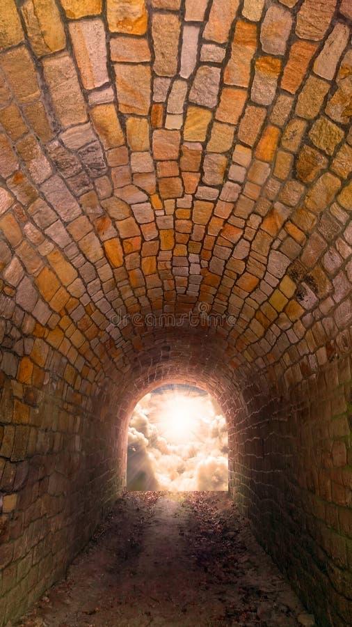 Światło przy końcówka tunel obrazy stock
