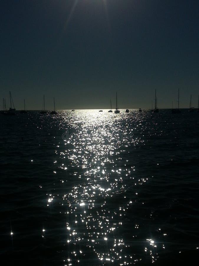 Światło słoneczne i powierzchnia morze obraz stock