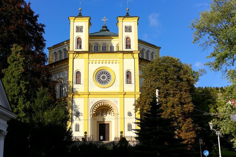 Światło słoneczne iluminuje kościół obraz stock