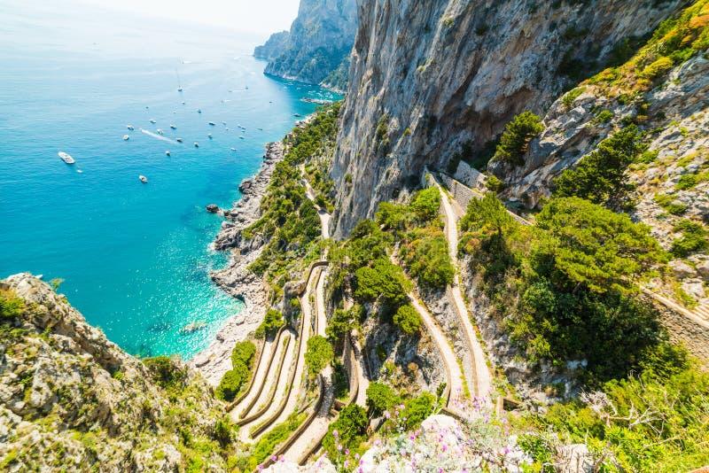Świat sławny przez Krupp widzieć od above w Capri wyspie zdjęcie royalty free