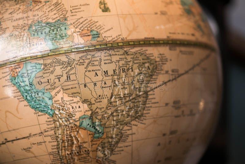 Światowa kuli ziemskiej mapa pokazuje Ameryka Południowa, illustrative artykuł wstępny obrazy stock