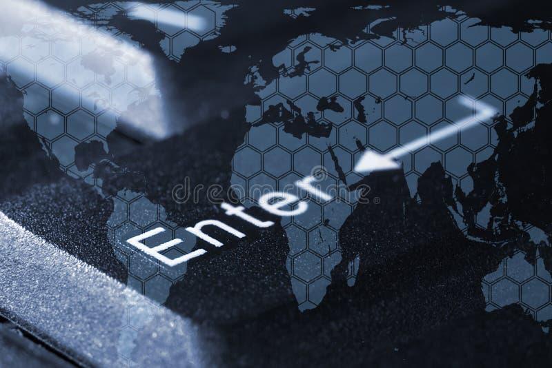 Światowa mapa na tle wchodzić do guziki zdjęcie stock