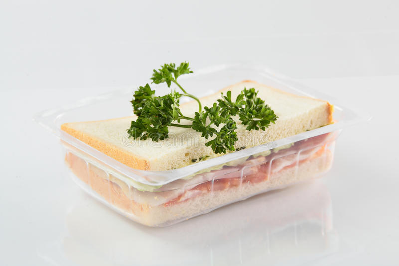 Świeża kanapka na białym tle zdjęcie royalty free