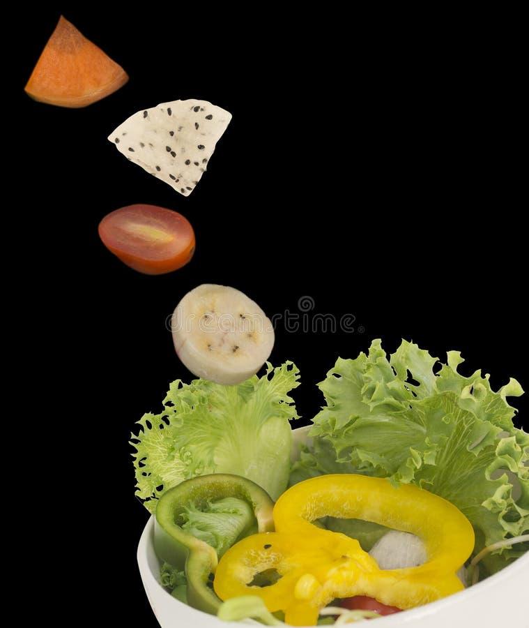 Świeża mieszana sałatka w powietrzu fotografia royalty free