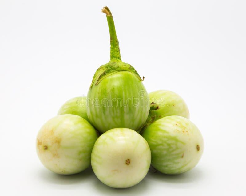 Download Świeża Organicznie Zielona Oberżyna Zdjęcie Stock - Obraz złożonej z target20, tło: 57674590