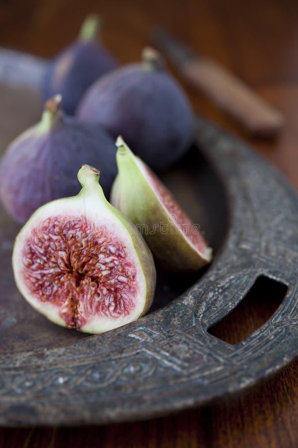 Świeże figi na stole obrazy stock