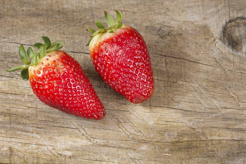 Świeże organicznie truskawki - Fragaria zdjęcie stock