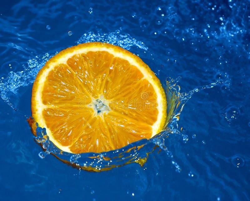 świeże pomarańcze wody zdjęcia royalty free