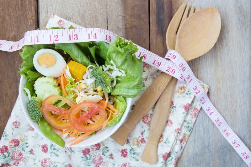 Świeżego warzywa sałatka, diety pojęcie obraz royalty free