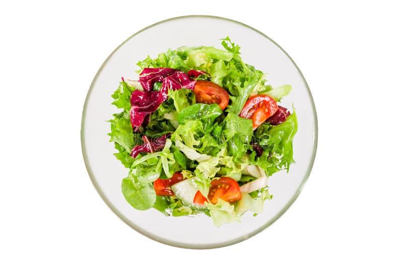 Świeżego warzywa sałatka w pucharze odizolowywającym na bielu fotografia stock