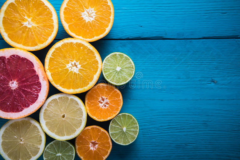Świeżej cytrus połówki rżnięte owoc zasięrzutne obraz stock