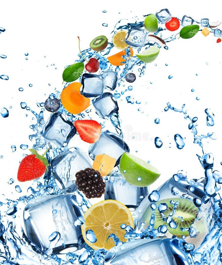 świeżej owoc pluśnięcia woda obrazy stock