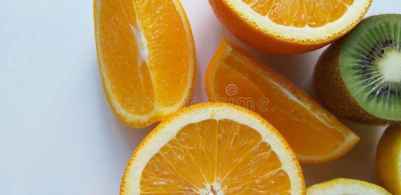 Świeżej owoc pomarańcze, kiwi, zdrowy zdjęcie stock