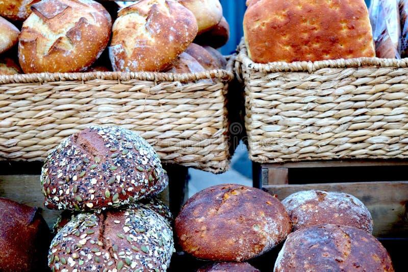 Świeżo Piec chleb przy rolnika Targowy Wyśmienicie obraz royalty free