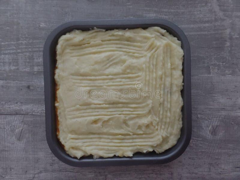 Świeżo przygotowany baca kulebiak przed gotować obrazy stock