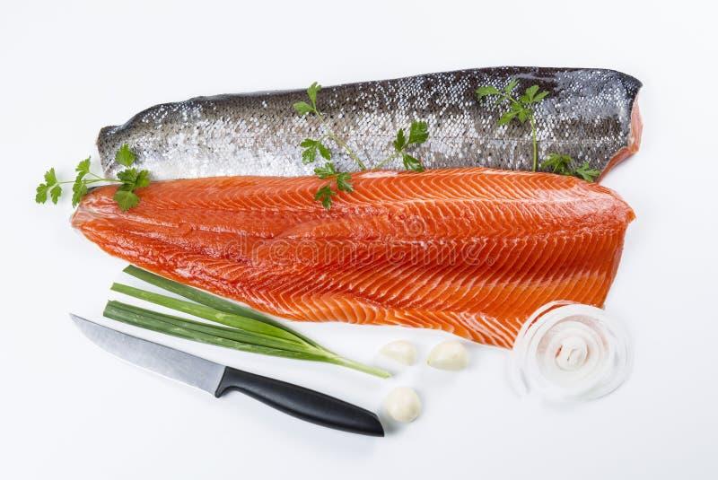 Świeży Łososiowy Rybi Przepasuje z ziele obraz royalty free
