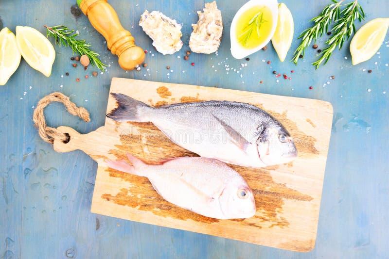 Świeży dennej ryba przygotowanie zdjęcie stock