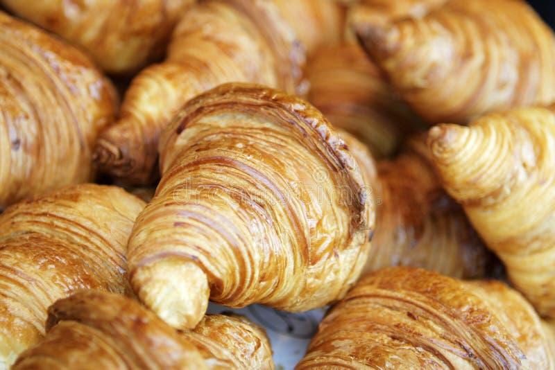 Świeży i smakowity Croissant obraz royalty free