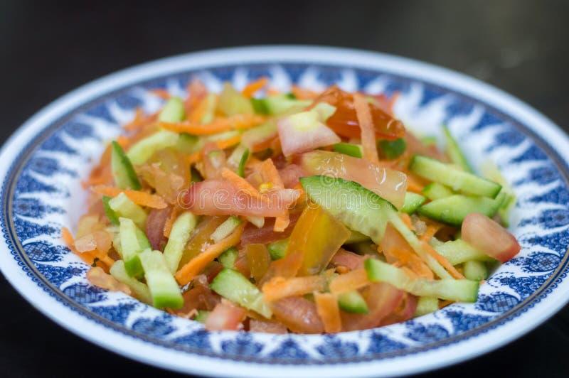 Świeży Jordański pomidor, marchewka i ogórek sałatka, fotografia stock