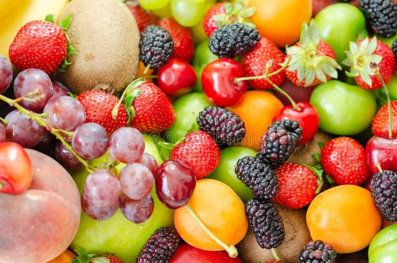 Świeży kolorowy owoc tło Zdrowy łasowanie, dieting concep obraz stock
