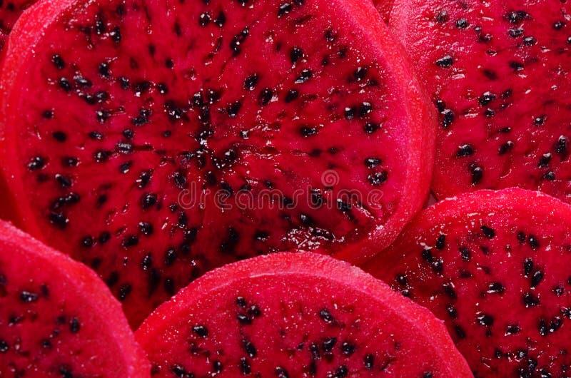 Świeży pokrojony czerwony smok owoc zbliżenie zdjęcie royalty free
