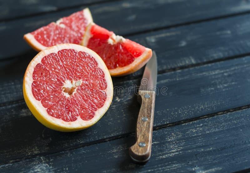 Świeży pokrojony grapefruitowy fotografia stock