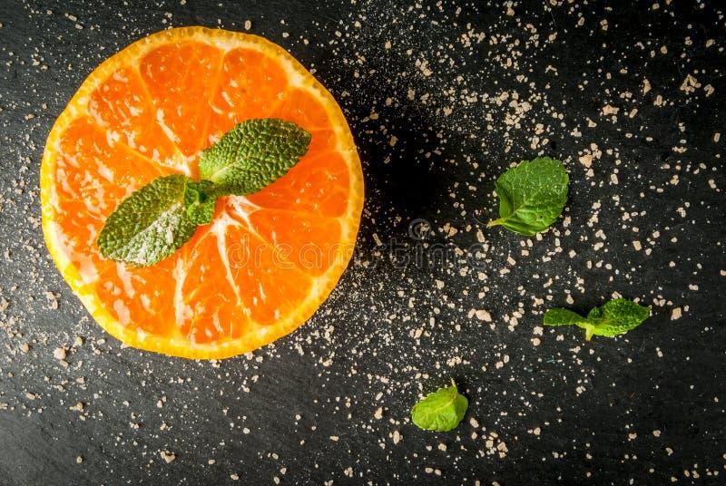 Świeży pokrojony tangerine obraz royalty free