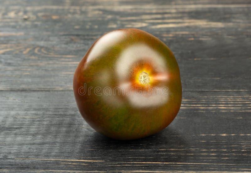 Świeży pomidorowy kumato obraz stock