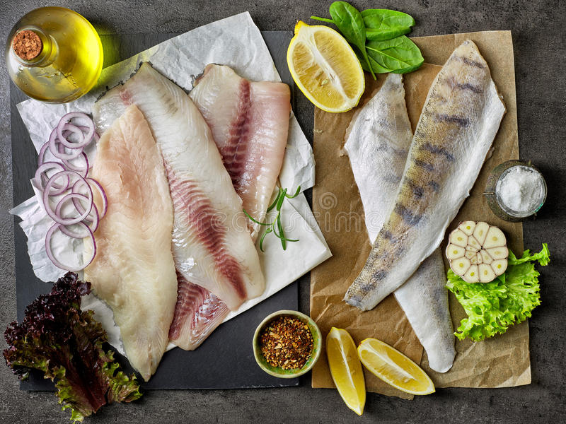 Świeży surowy rybi polędwicowy obraz royalty free