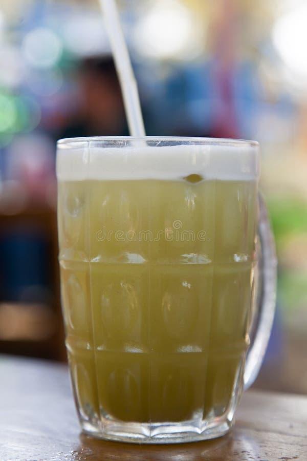 Świeży trzcina cukrowa sok obraz stock