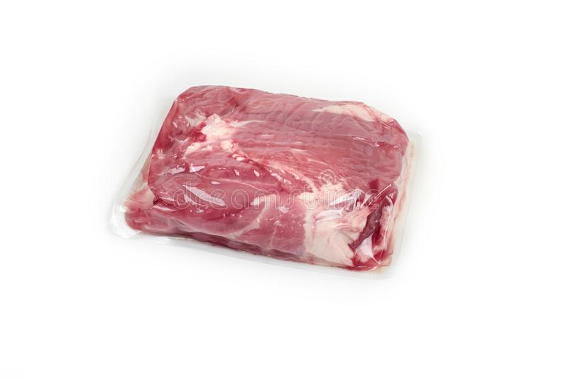 Świeży wieprzowiny mięso w próżni - upakowanej, na białym tle obraz stock