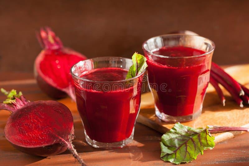 Świeży zdrowy beetroot sok, warzywo i zdjęcia stock