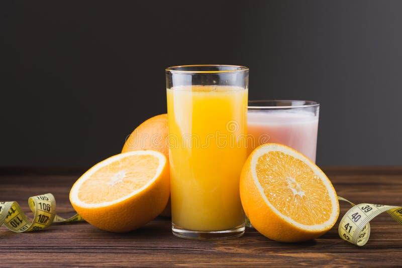 świeżych owoc soku pomarańcze obrazy royalty free