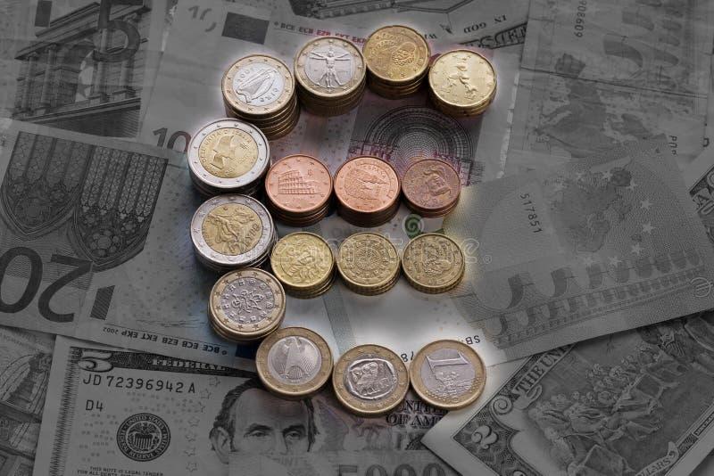 Świecący euro znak od euro monet obraz royalty free