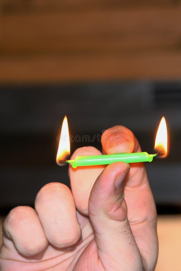 świeczek oba płonące końcówka zdjęcie royalty free
