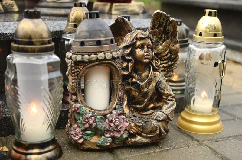 Świeczki i anioł obrazy stock