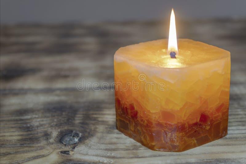 Świeczki na drewnianym stole obrazy royalty free